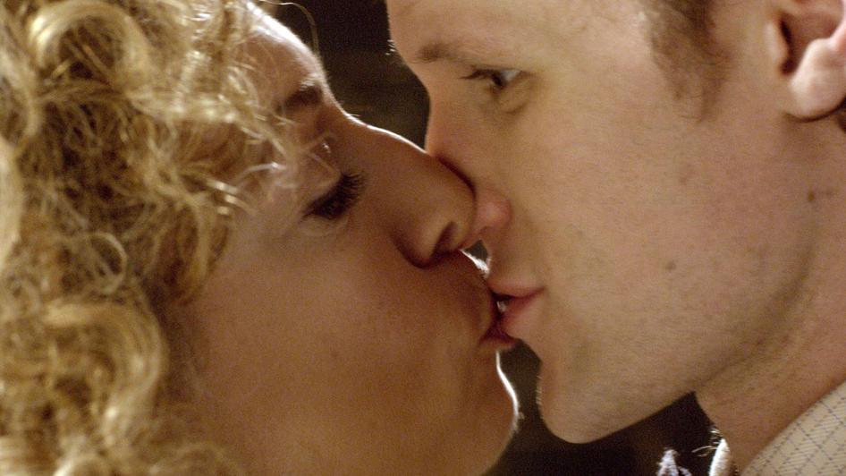 Doctor who s6e8 river song kisses the doctor