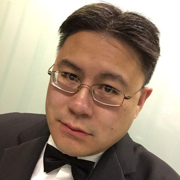 Tim black tie