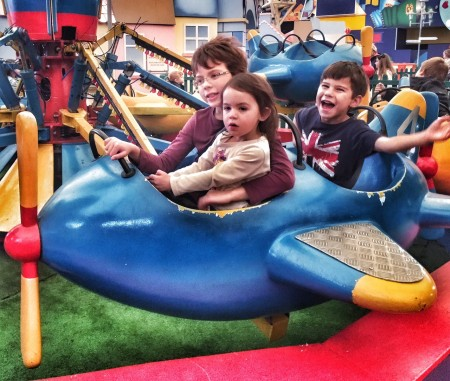 Kids plane ride