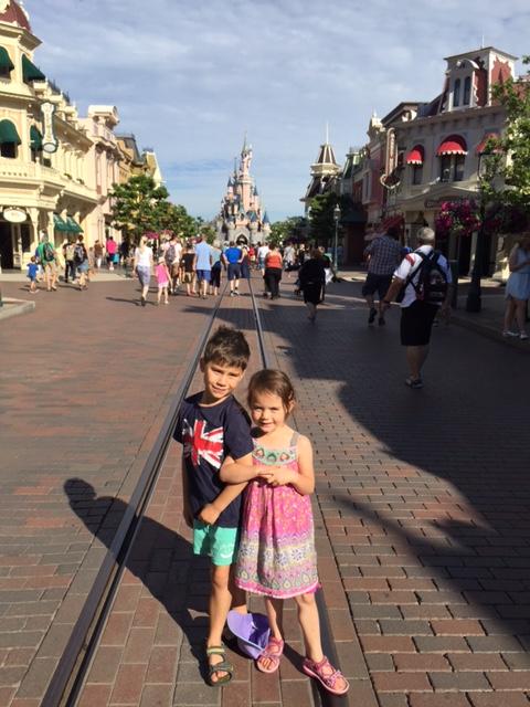 Disneyland Paris Toby Kara castle