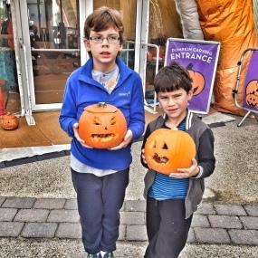 butlins-isaac-toby-pumpkin-carving